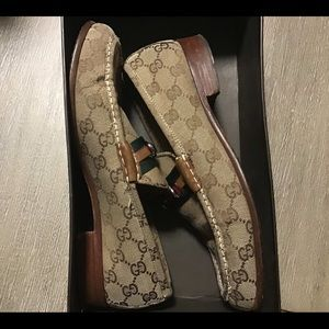 GUCCI LOAFERS (USED)